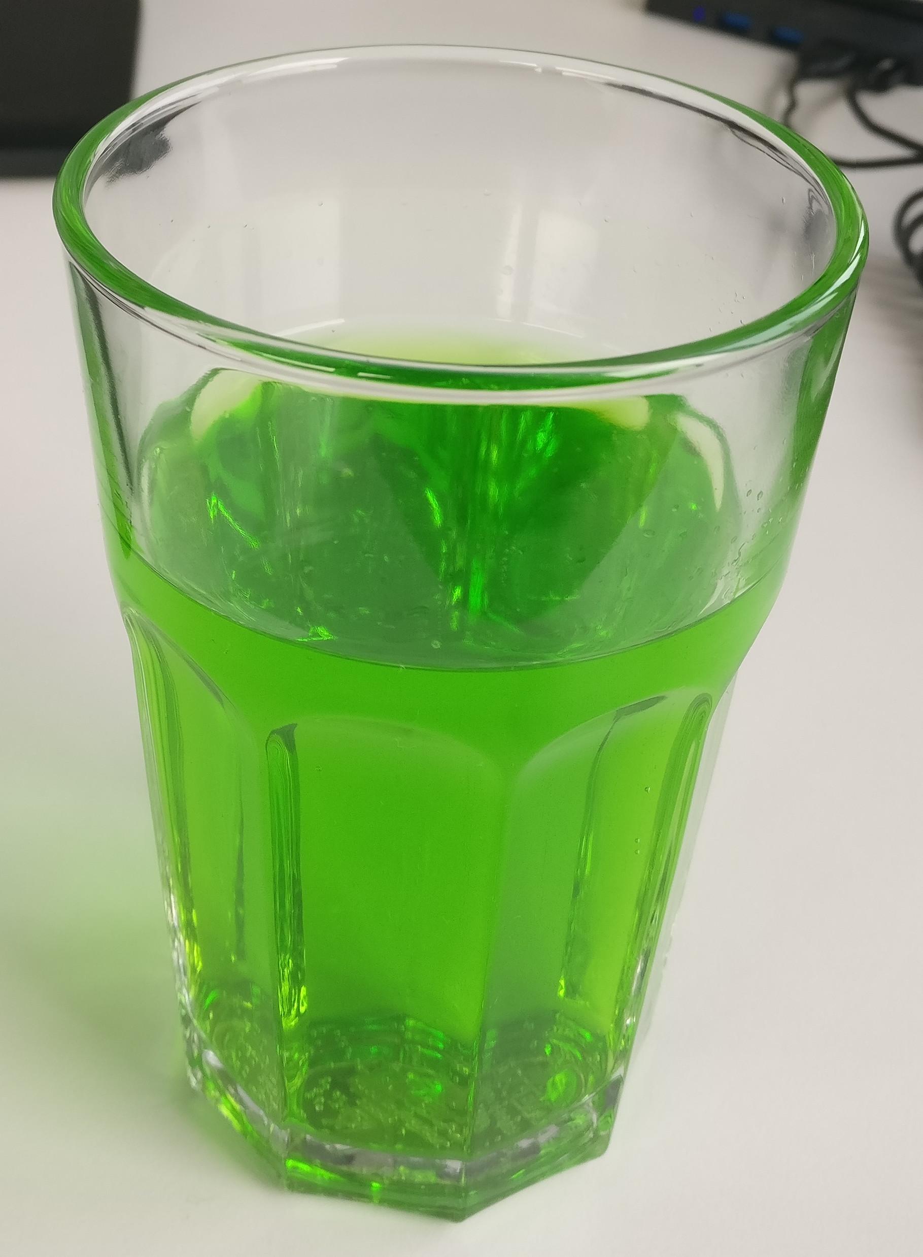 Action Juiced Energy Waldmeister im Glas